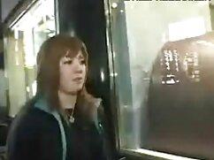 女性lyahami,巨乳,大きなお尻,鏡の前の隣人 女性 が 見る アダルト ビデオ