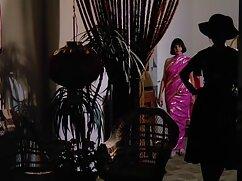 赤色の美しさ、乳座のディルド柄 動画 サンプル 女性