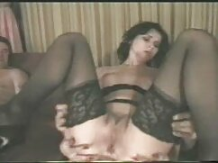 ミルクアジアの油を塗った。 エッチ 動画 マチコ モリア-ミルズはレッドカーペットの上でベッドにいるクソガキだ