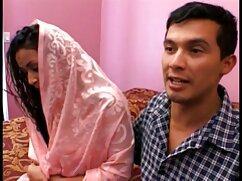 アジアの女の子赤ドレス吸い込みでchahalaベッド アダルト ビデオ 女