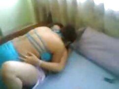 男、兄弟、成長した女性はノンストップでベッドの上でブラウスを着ることができます。 女性 版 アダルト ビデオ