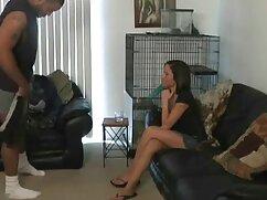 ブロンド、青い目。 女性 向け ビデオ 無料 ウェブカメラの前で水着、黒いコックとスリムなボディ。