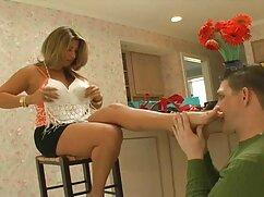 胸を持つブロンドの女性、サウナで大きな魅力は、その後、ストローククリトリスに彼女の指を使用しています 無料 アダルト ビデオ 女性 向け