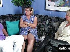 ボインの女の子の女性は全体の亀裂で二人の男をたわごとに大好きです 女性 の ため の アダルト ビデオ