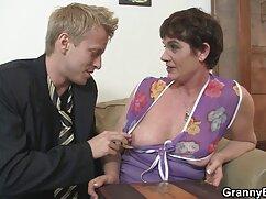 Busty雛は肛門の毛に乗って雄鶏と友人 エ 動画 女性