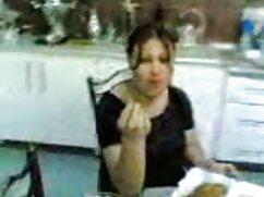 ベイビーは、車の中で雌犬を吸う。 女性 が 見 たい アダルト ビデオ