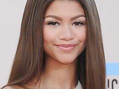 茶色の髪の女の子、非常に美しい。 私 が 見 たい アダルト 動画