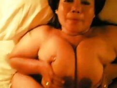熟女空の大きな胸アウトの赤いブラジャーとその後取りますそれとしてa友人 アダルト ビデオ マチ子